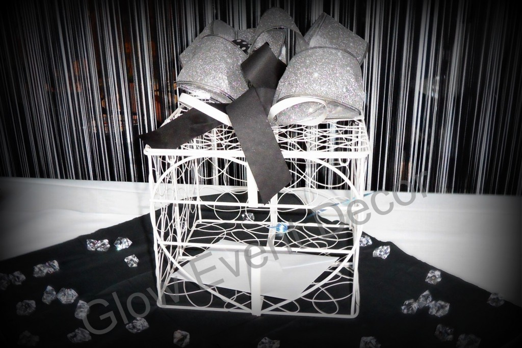 Love Heart Cage Wishing Well for hire